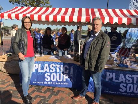 Carla Dik en Gilco plastic soup foundation.jpg